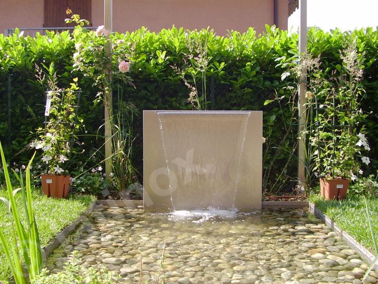 Fontana in acciaio inox AISI 304