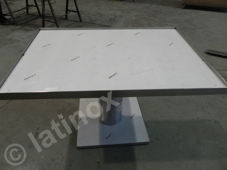 Tavoli e Basi in acciaio inox
