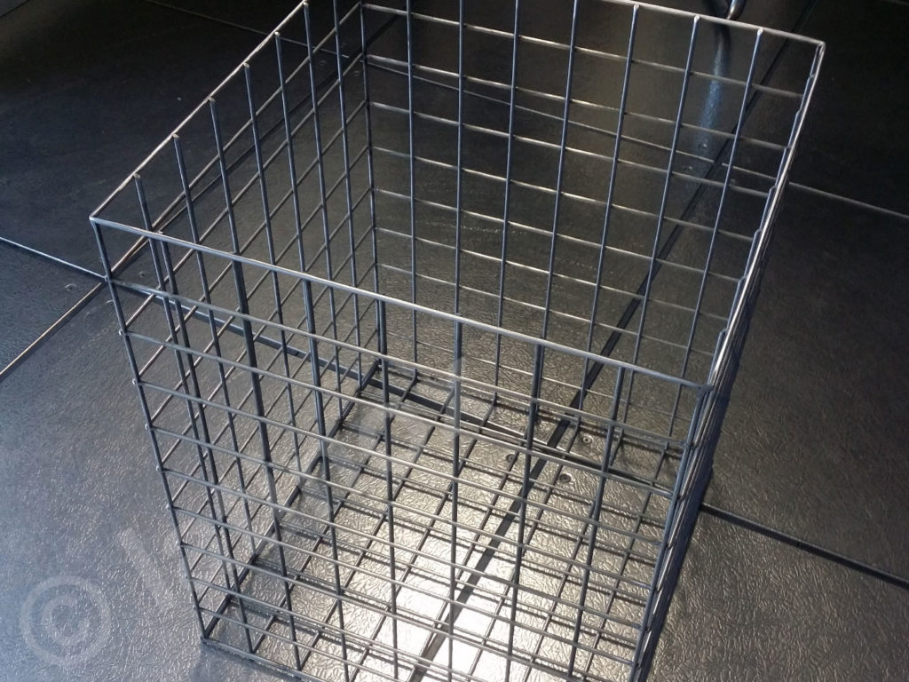 Cesta portabiancheria in acciaio inox